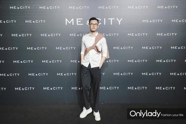 时尚博主Ethan身着Me&City 2018秋冬摩登生活系列新品