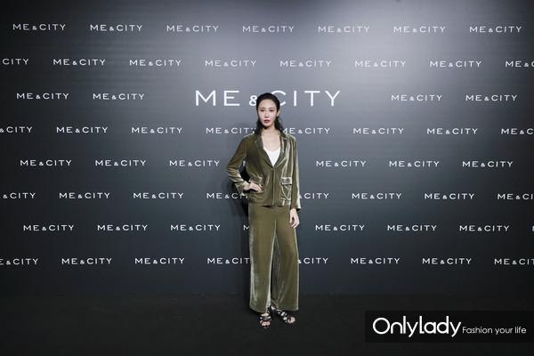 青年舞蹈艺术家朱洁静身着Me&City 2018秋冬简约生活系列新品